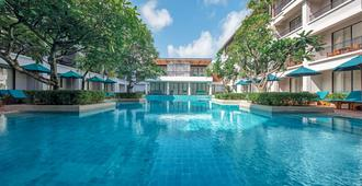 DoubleTree by Hilton Phuket Banthai Resort - Πατόνγκ - Πισίνα