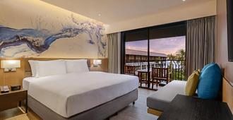 DoubleTree by Hilton Phuket Banthai Resort - Patong - Bedroom