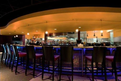 Oasis Hotel and Conv. Center, an Ascend Hotel Collection Member - Springfield - Bar