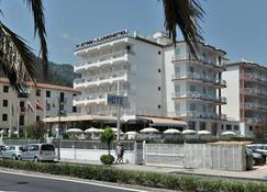 Pietra di Luna Hotel - Maiori - Toà nhà