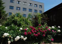 Diana Hotel - Kursk - Außenansicht