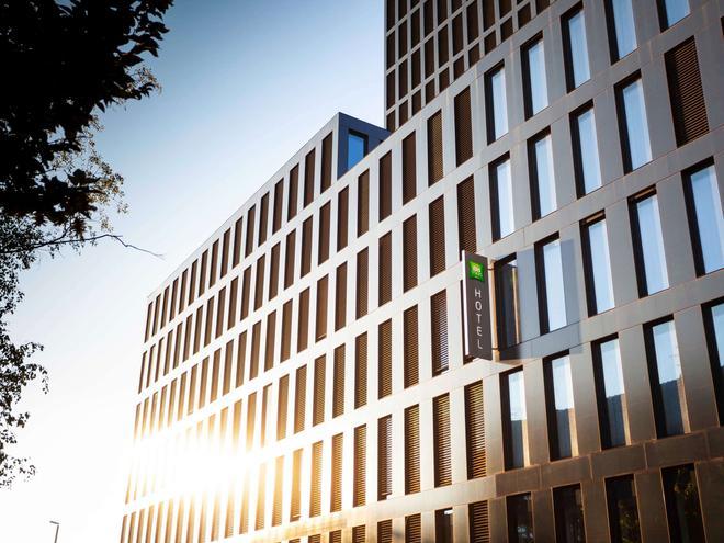 ibis Styles Basel City - Basel - Building