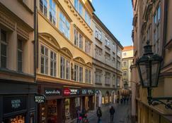 7 Tales Suites - Prag - Außenansicht