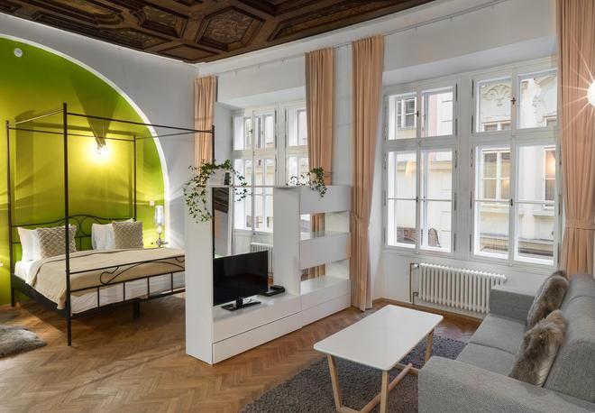 7 Tales Suites - Prague - Living room