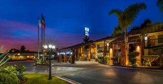 Best Western Americana Inn - San Diego - Building