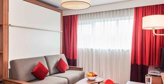 Aparthotel Adagio Birmingham City Centre - Birmingham - Living room