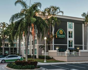 La Quinta Inn & Suites by Wyndham Plantation at SW 6th St - Plantation - Building