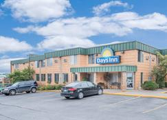 Days Inn & Suites by Wyndham Duluth by the Mall - Duluth - Bâtiment
