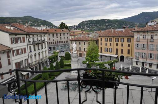Albergo Firenze - Como - Toà nhà