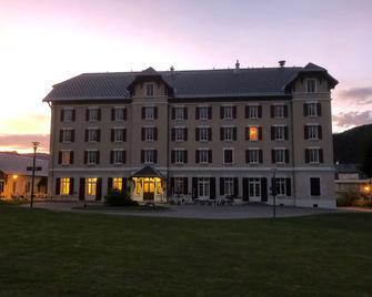 Best Western Grand Hotel De Paris - Віллар-де-Лан - Будівля