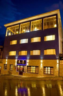 Hotel Mustapic - Ushuaia - Building