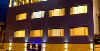 Hotel Mustapic - Ushuaia - Edificio