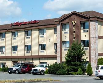 Village Inn & Suites Marysville - Marysville - Building