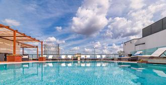 H10 Roma Città - Rome - Bể bơi