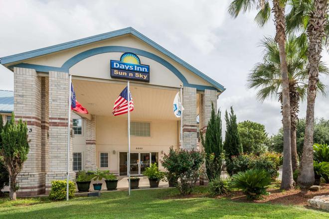 Days Inn by Wyndham San Antonio Southeast By AT&T Center - San Antonio - Building