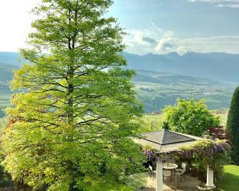 Relais Villa Quercia - Tuenno - Außenansicht