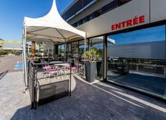 Brit Hotel Porte d'Espagne - Perpignan - Building
