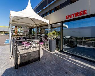 Brit Hôtel Porte d'Espagne - Perpignan - Building
