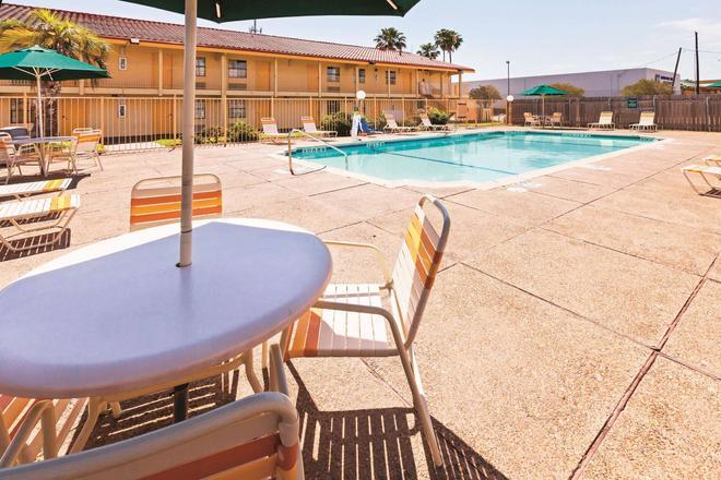 La Quinta Inn Corpus Christi North - Corpus Christi - Piscina