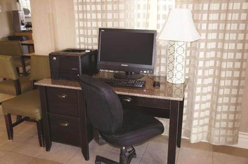 La Quinta Inn Corpus Christi North - Corpus Christi - Business center