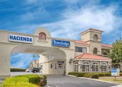 Travelodge by Wyndham Costa Mesa Newport Beach Hacienda - Costa Mesa - Building