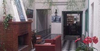 Hostel Babilonia - Montevideo - Lobby
