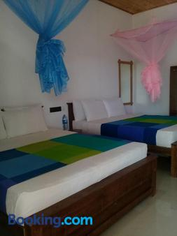 Shan Guest And Nilaveli - Trincomalee - Bedroom