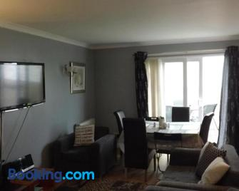 Haven - Troon - Living room