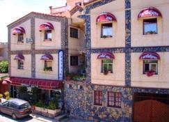 Dar-Tlidjene - Argel - Edificio