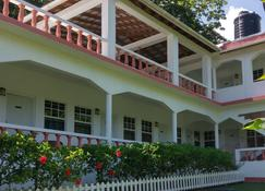 Polish Princess Guest House - Fairy Hill - Κτίριο