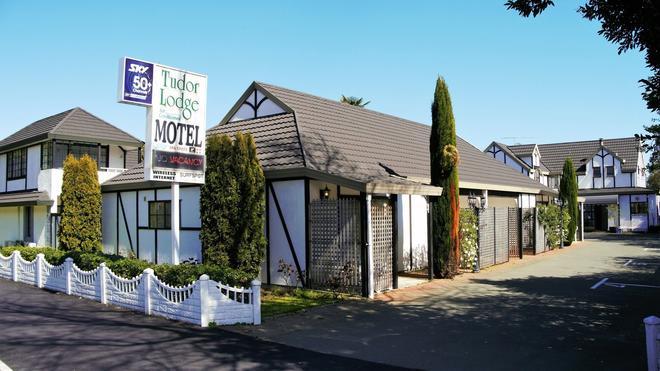 Tudor Lodge Motel - Nelson - Rakennus