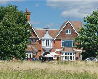 Classic Lodges -The Hickstead Hotel - Haywards Heath - Building