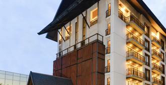 Amanta Hotel & Residence Ratchada - Bangkok - Building