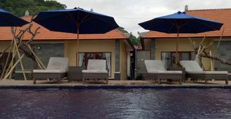 Cave Beach Bungalow - Nusa Penida - Πισίνα