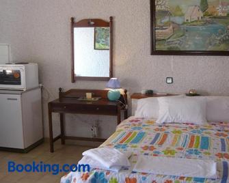 Villa Victoria - Makry Gialos - Bedroom