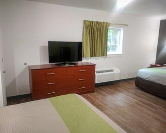 Studio 6 Hampton, Va - Langley Afb Area - Ньюпорт-Ньюз - Bedroom