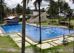 Fiesta Resort - Surigao - Basen
