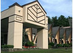 Tiki Resort - Lake George - Gebäude
