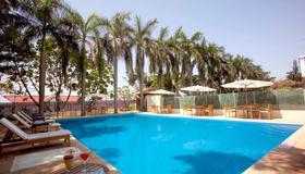 The Gateway Hotel Marine Drive Ernakulam - Kochi - Πισίνα