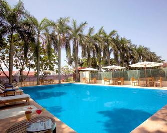 The Gateway Hotel Marine Drive, Ernakulam - Кочі - Pool
