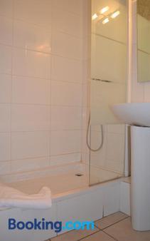 Hôtel Concorde - Nimes - Bathroom