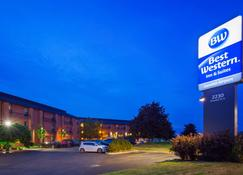Best Western London Airport Inn & Suites - London - Toà nhà