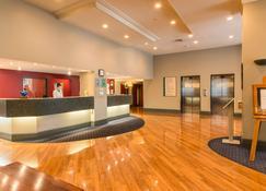 Scenic Hotel Southern Cross - Dunedin - Front desk