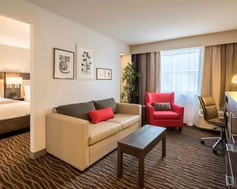 Country Inn & Suites Rochester-Pittsford - Рочестер - Вітальня