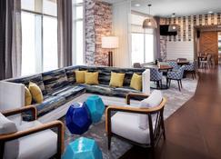 Hyatt Place Long Island East End - Riverhead - Area lounge
