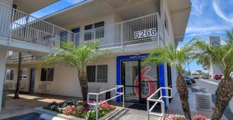 Motel 6 Westminster South Long Beach Area - Westminster - Gebäude