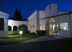 基里亞德聖廷酒店 - 聖提斯 - 桑特 - 建築