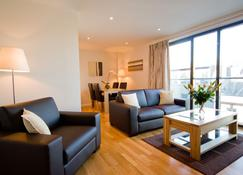 Liberty Wharf Apartments - Saint Helier - Living room