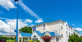 Motel 6 Chattanooga Downtown - Chattanooga - Building