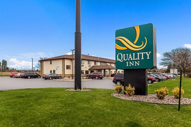 Quality Inn - Sheboygan - Gebäude